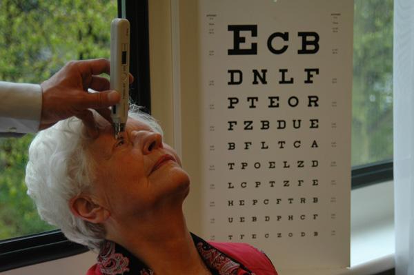 3020d1a98f8753 De opticien komt de bril afpassen en wenst u natuurlijk veel kijkplezier!U  kunt bij ons contant en op rekening betalen